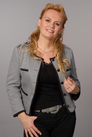 groot blond cum in gezicht in Breda