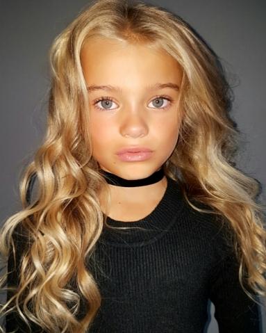 10 jarig model Loise, 10 jaar 10 jarig model